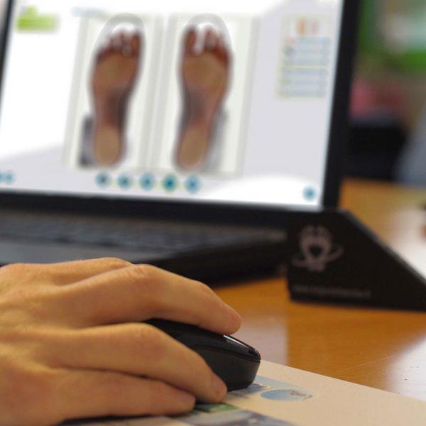 fabrication semelles orthopédiques sur mesure sur ordinateur